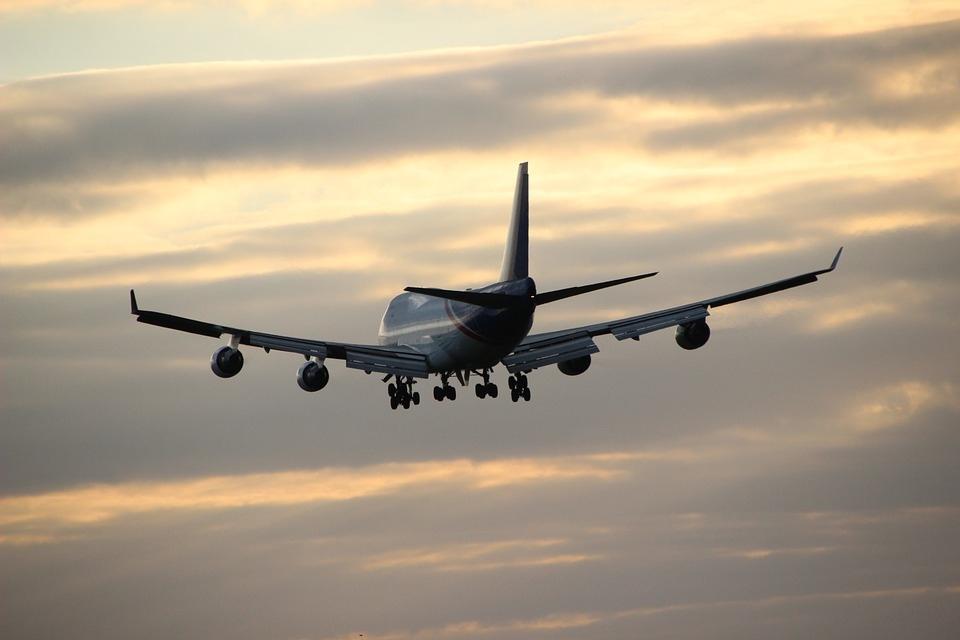Държавата търси варианти да подпомогне българските авиокомпании, авиоремонтни, технически бази