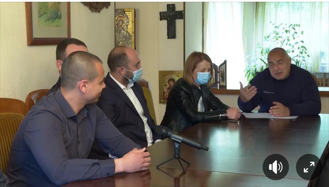 Журналистката Соня Колтуклиева атакува във фейсбук проваления кмет на София