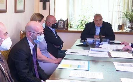 Премиерът Бойко Борисов отново събра в Банкя експертите, но този