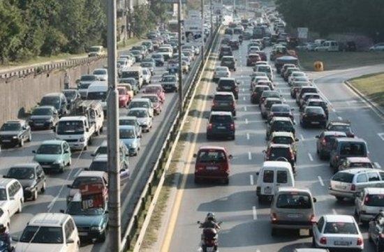 Голямото прибиране започна в неделя, но се очаква засилен трафик