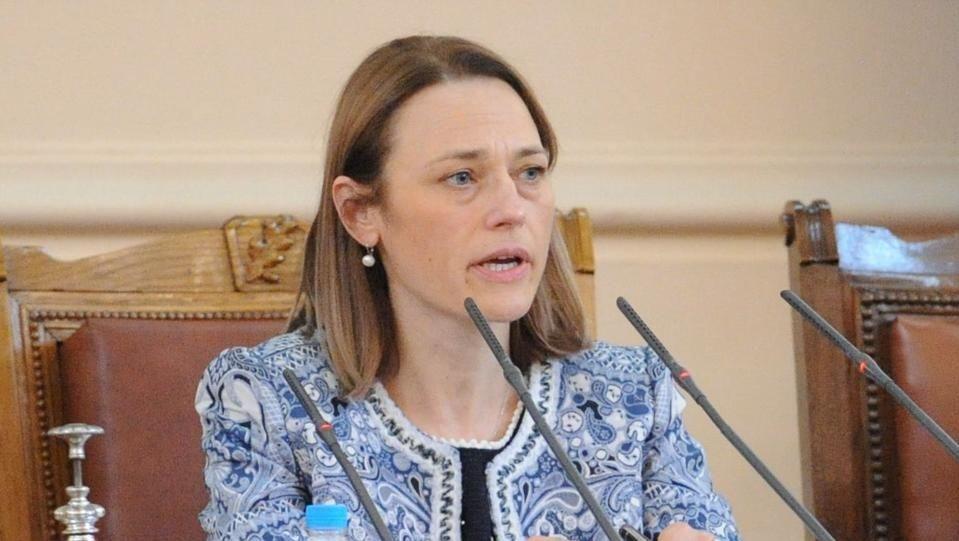 Това какъв е животът на българския парламент, го определя българската