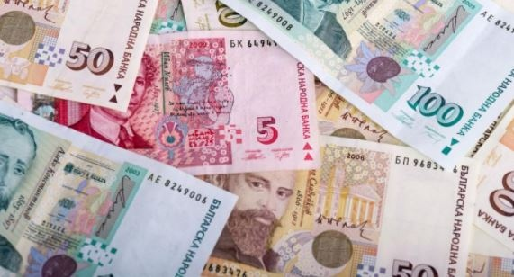 Българите очакват инфлацията да се повиши, а доходите да намаляват.