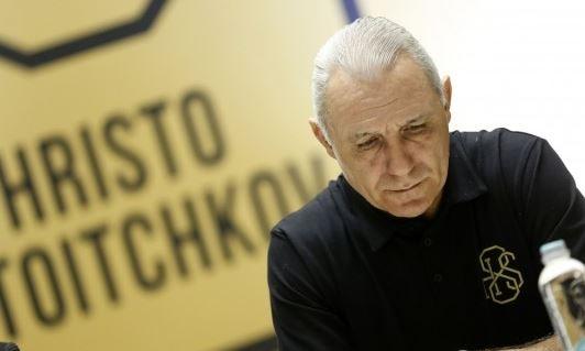 Легендарният Христо Стоичков използва социалните мрежи, за да се сбогува