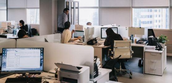 Над 65% от хората,които работят дистанционно в момента, искат да