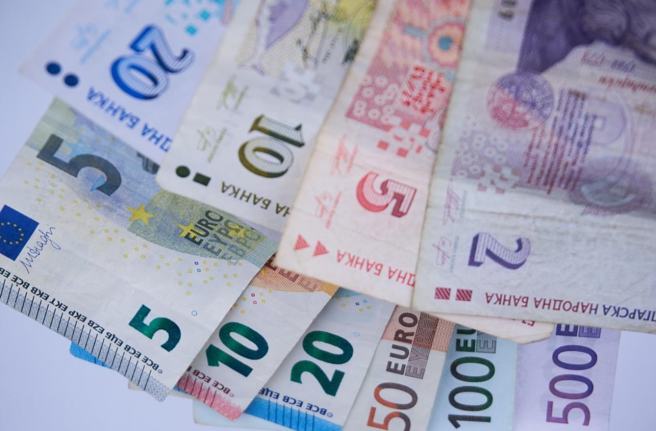 Приемането на еврото през 2024 г. е амбициозна, но постижима