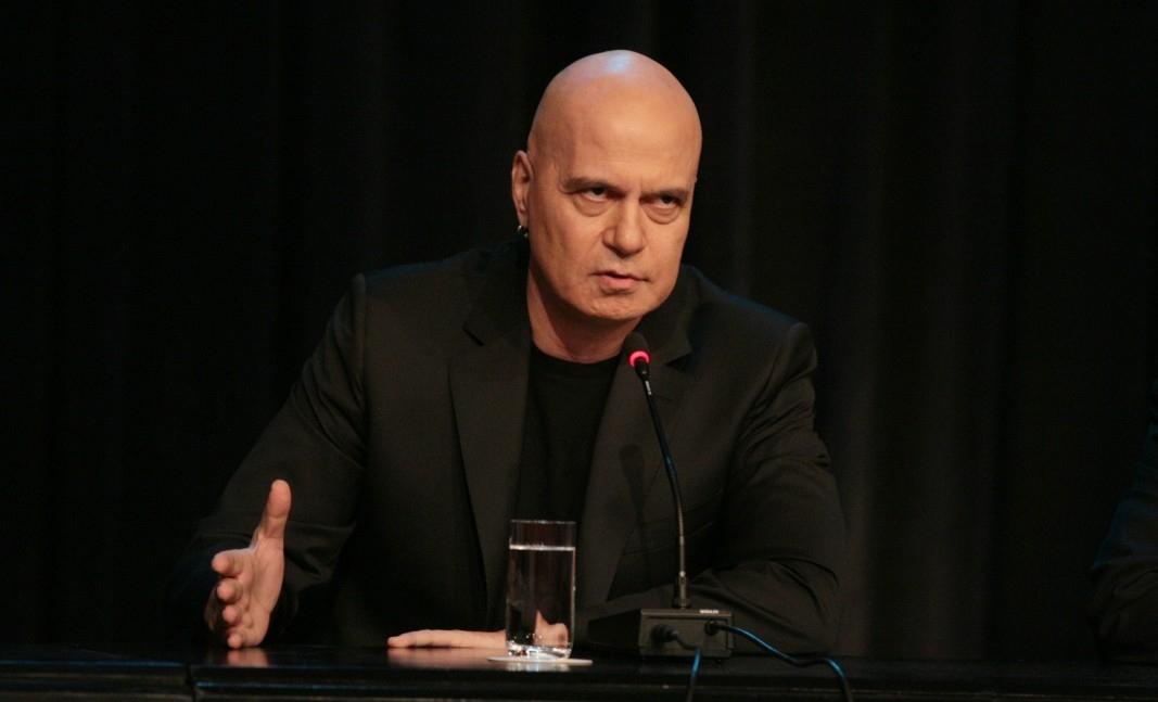 """Председателят на политическа партия """"Има такъв народ"""" Слави Трифонов обвини"""