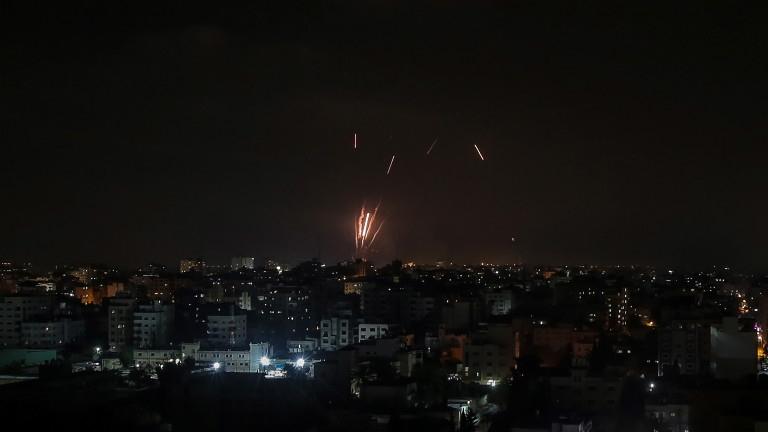 Напрежението между Израел и Палестина рязко ескалира. Жертвите растат, а