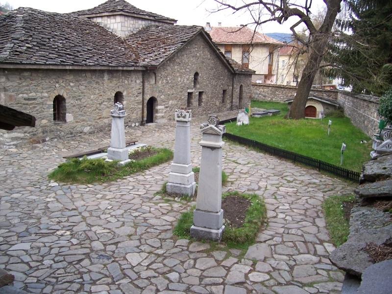 Българската православна църква почита днес паметта на светите Баташки мъченици,