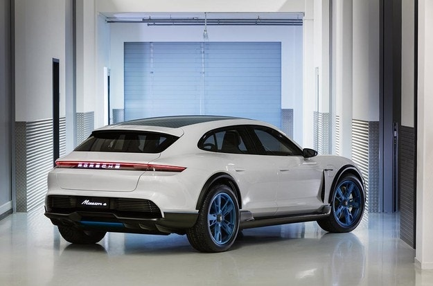 Преди няколко месеца видяхме представянето на електрическото комби на Porsche,