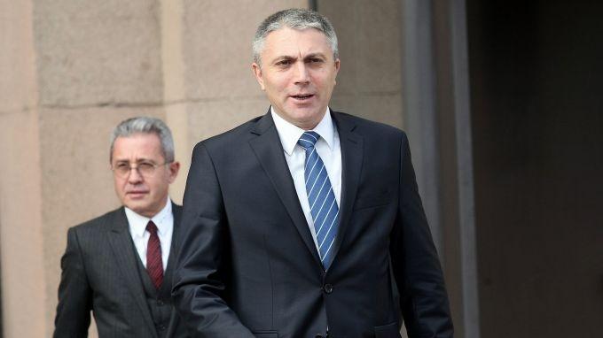 Лидерът на ДПС Мустафа Карадайъ замина за Турция за среща