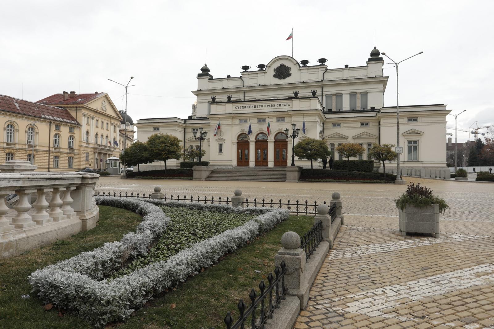 """Месец преди извънредните парламентарни избори """"Барометър България"""" проведе телефонно проучване"""