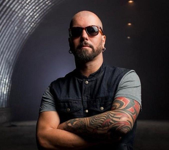 """Починал е Максим Галстян – китаристът на групите """"Тату"""" и"""