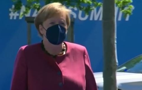 Германският канцлер Ангела Меркел е била ваксинирана с втора доза