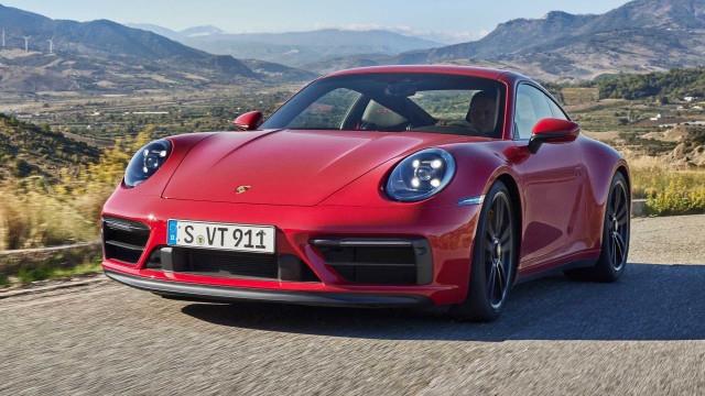 След като през изминалата седмица от Porcshe представиха новото GT3