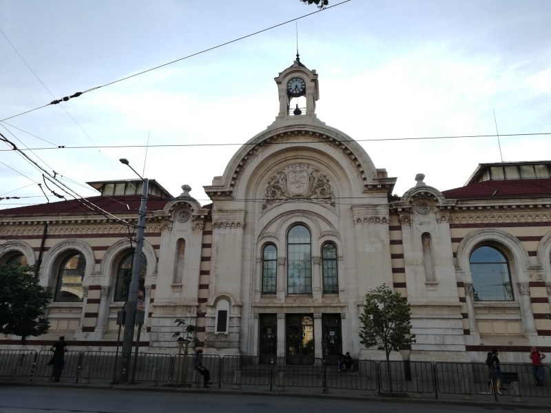 Пуснаха петиция в защита на софийските Хали в центъра на