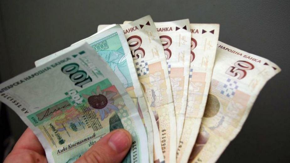 Решението на депутатите да увеличат размера на парите за майчинство