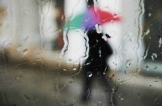 Днес на много места ще продължи да вали, в Източна
