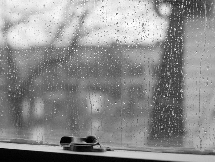 През нощта в източната половина от страната валежите ще продължат.